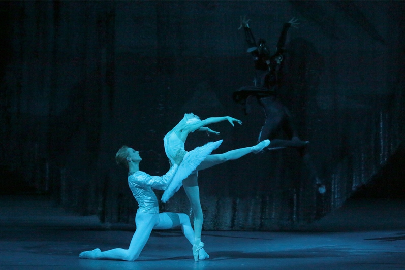 "Bolshoi Ballet in ""Swan Lake"""