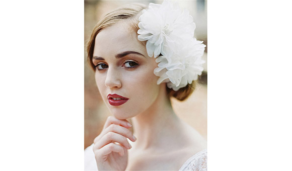 enchanted-atelier-wedding-veils-hair-accessories-bridal-collection-spring-summer-2014-01-1