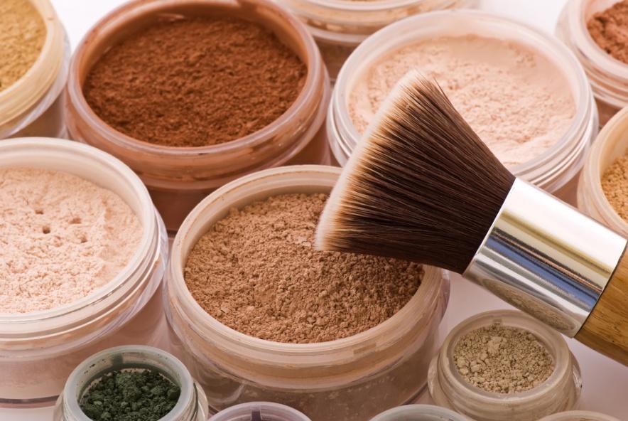Titanium Makeup Saubhaya